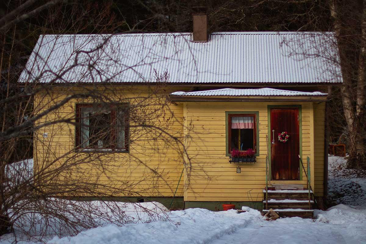 vanhan talon keittiö